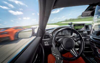 Garmin presenta Catalyst™, un impresionante dispositivo de rendimiento para conducción de automóviles deportivos en circuito